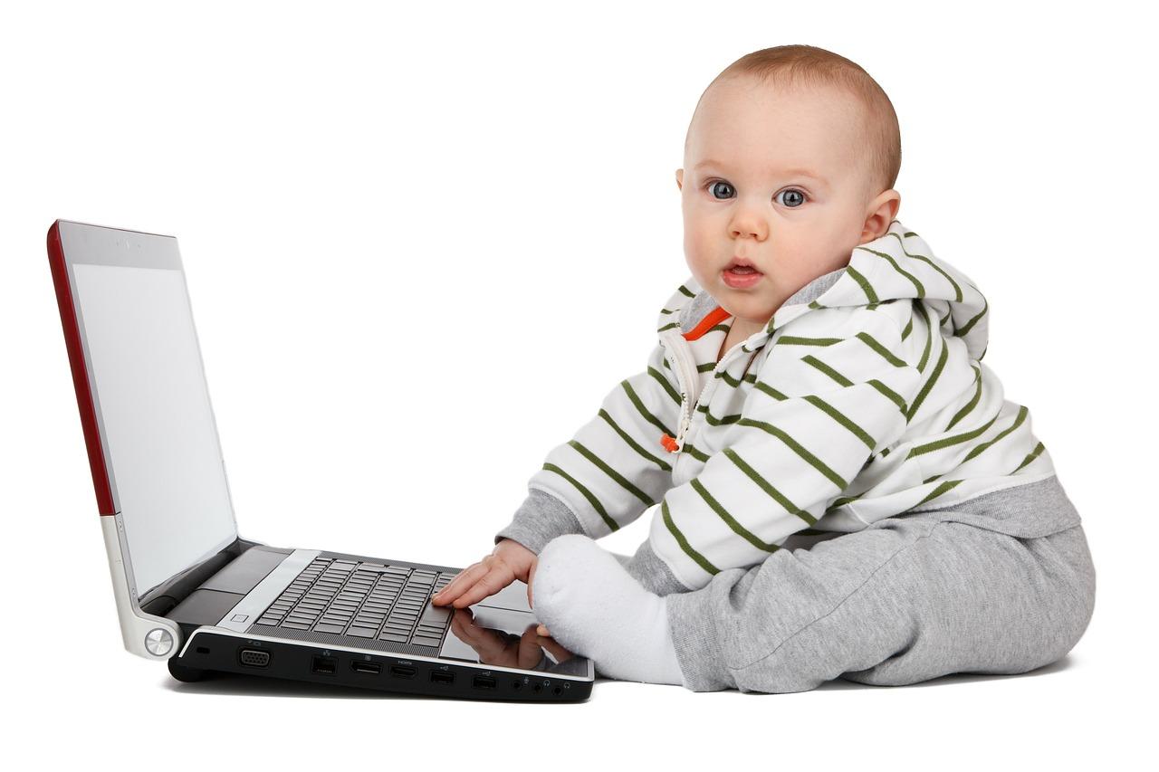 Начало нравственного воспитания ребенка от года до двух лет