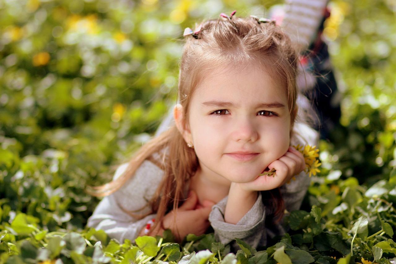 Участие в деятельности взрослых ребенка  от двух до трех лет