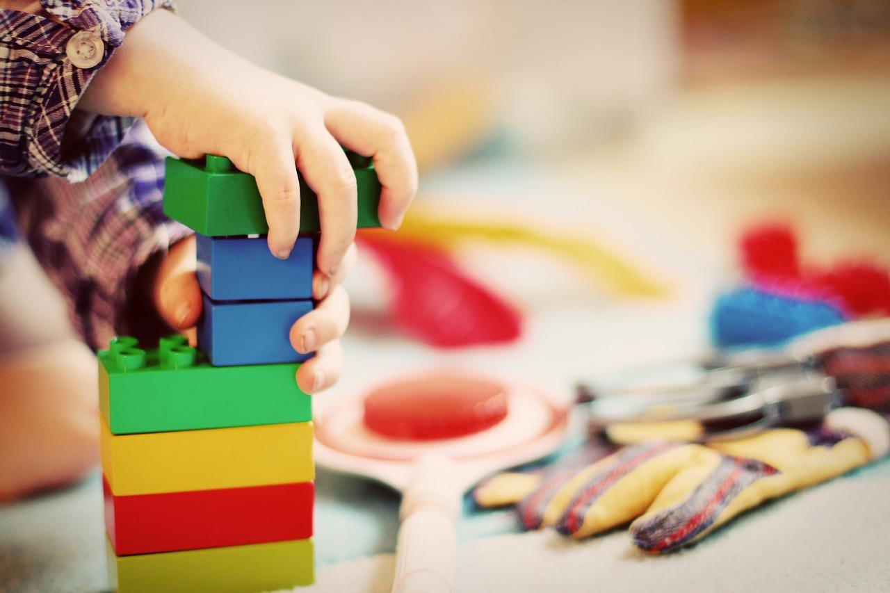 Какие должны быть игрушки у ребенка  от двух до трех лет