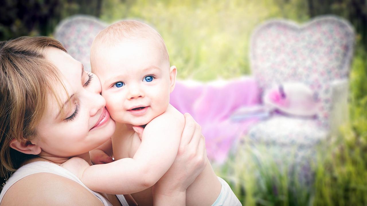 Общение взрослых с детьми и развитие ребенка от года до двух лет