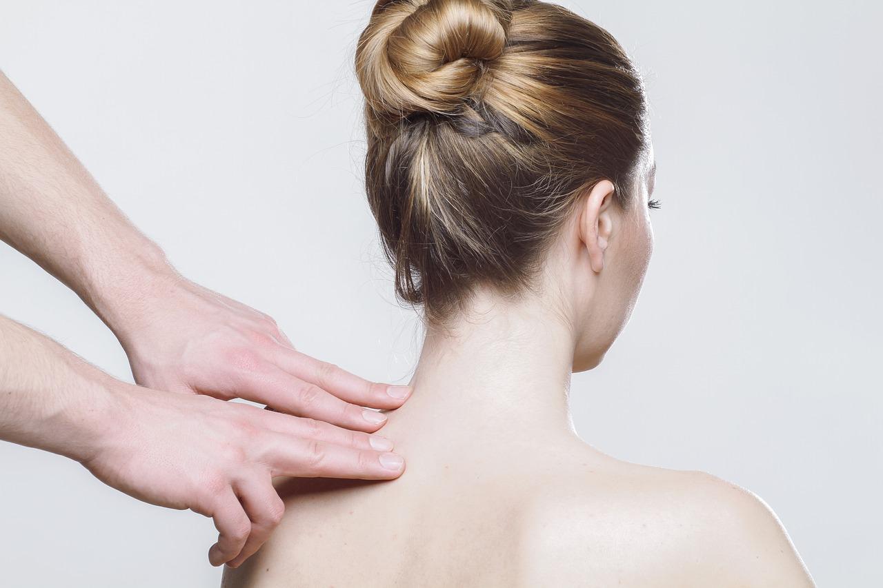 Китайский массаж области спины