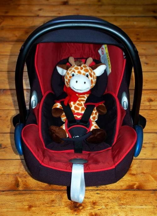 Детское кресло для машины